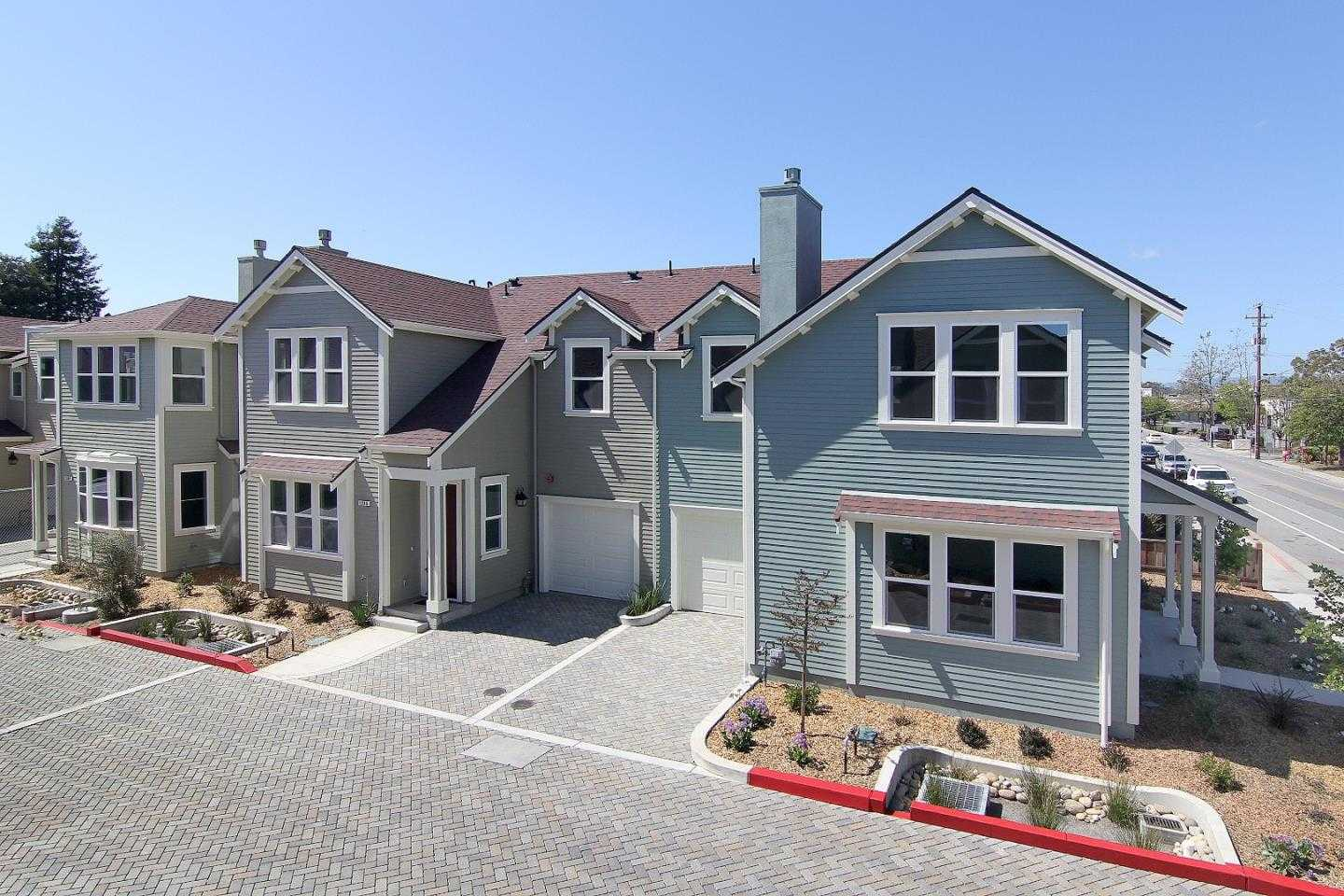 $889,000 - 3Br/3Ba -  for Sale in Capitola