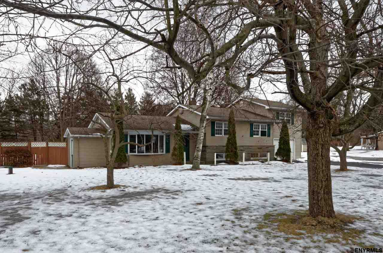 $205,000 - 4Br/2Ba -  for Sale in Schodack