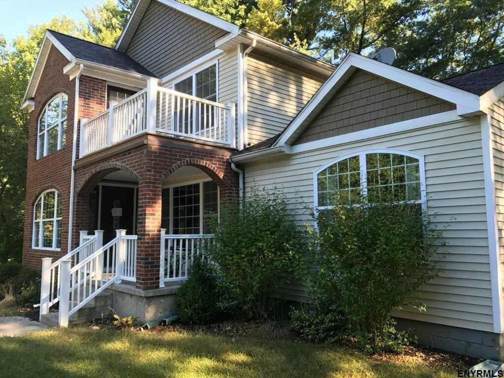 $299,900 - 4Br/3Ba -  for Sale in Albany