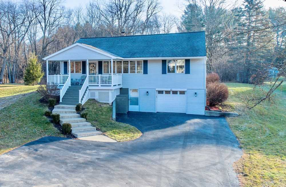 $275,000 - 3Br/2Ba -  for Sale in Clifton Park