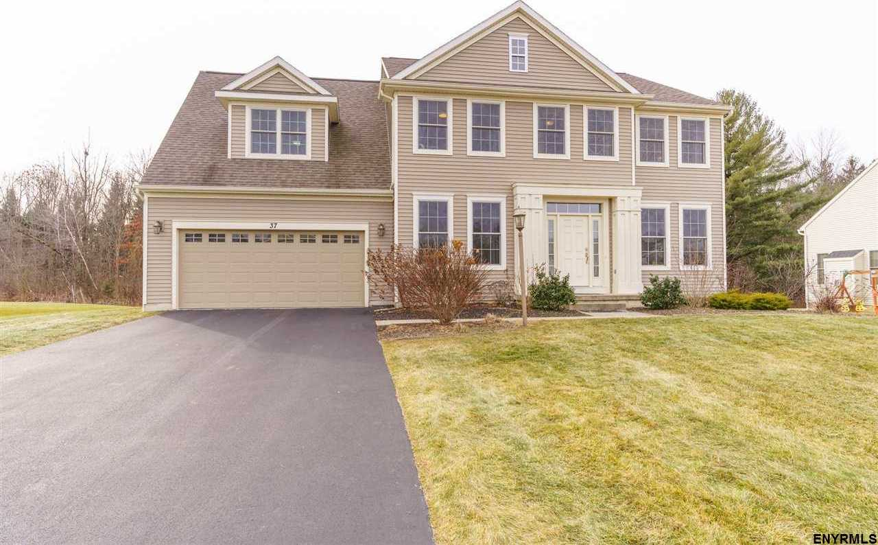 $469,900 - 4Br/3Ba -  for Sale in Niskayuna
