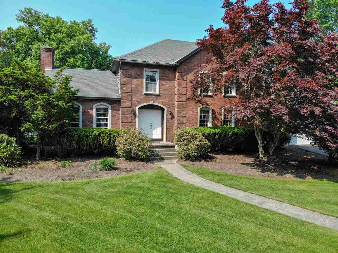 $499,900 - 4Br/4Ba -  for Sale in Clifton Park