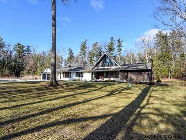 $949,000 - 4Br/5Ba -  for Sale in New Scotland Tov