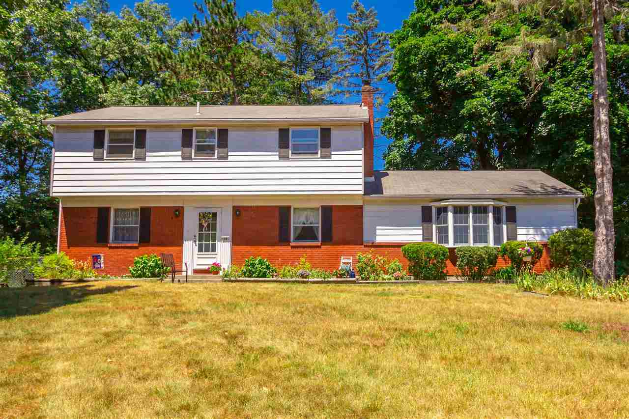 $275,000 - 5Br/3Ba -  for Sale in Clifton Park