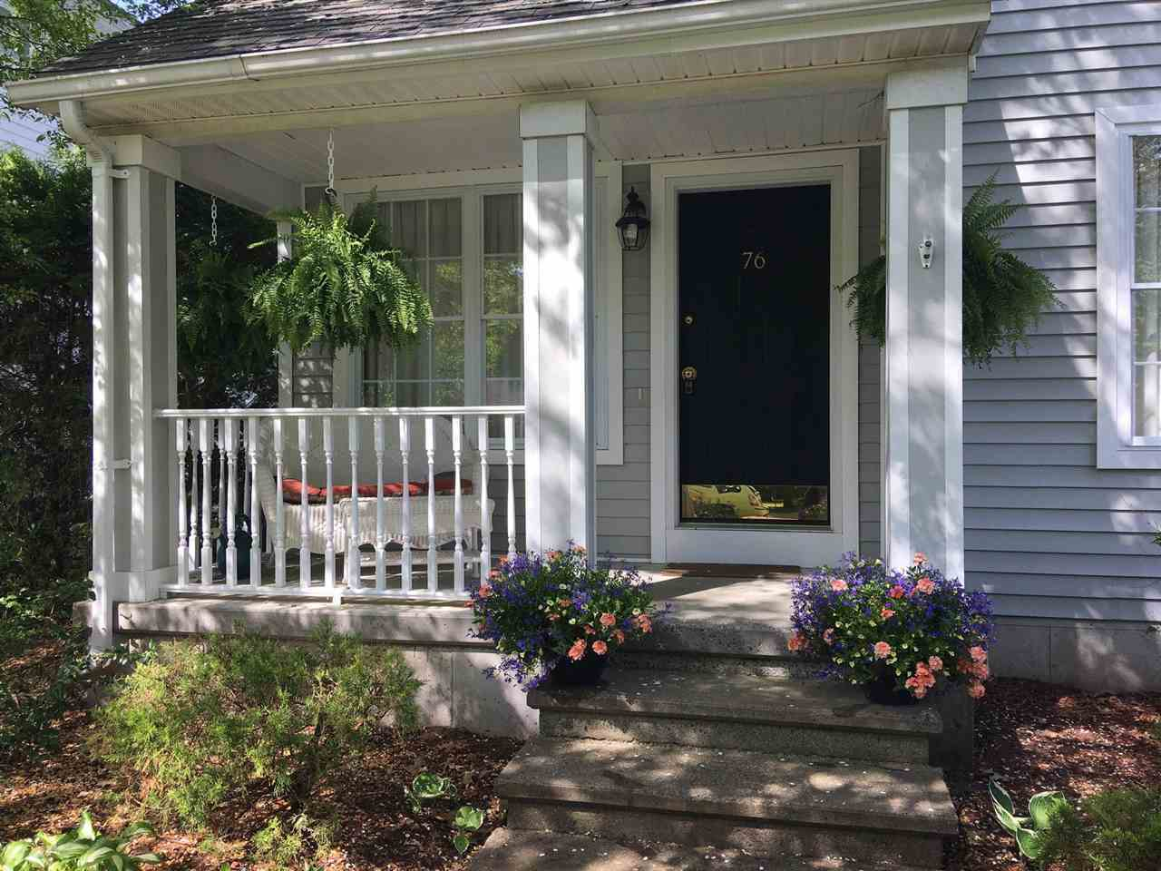 $469,000 - 2Br/3Ba -  for Sale in Saratoga Springs, Inside