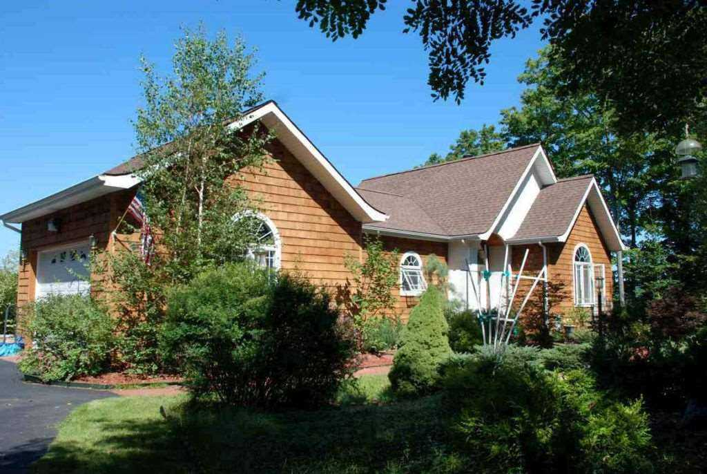 $495,000 - 3Br/2Ba -  for Sale in Horicon