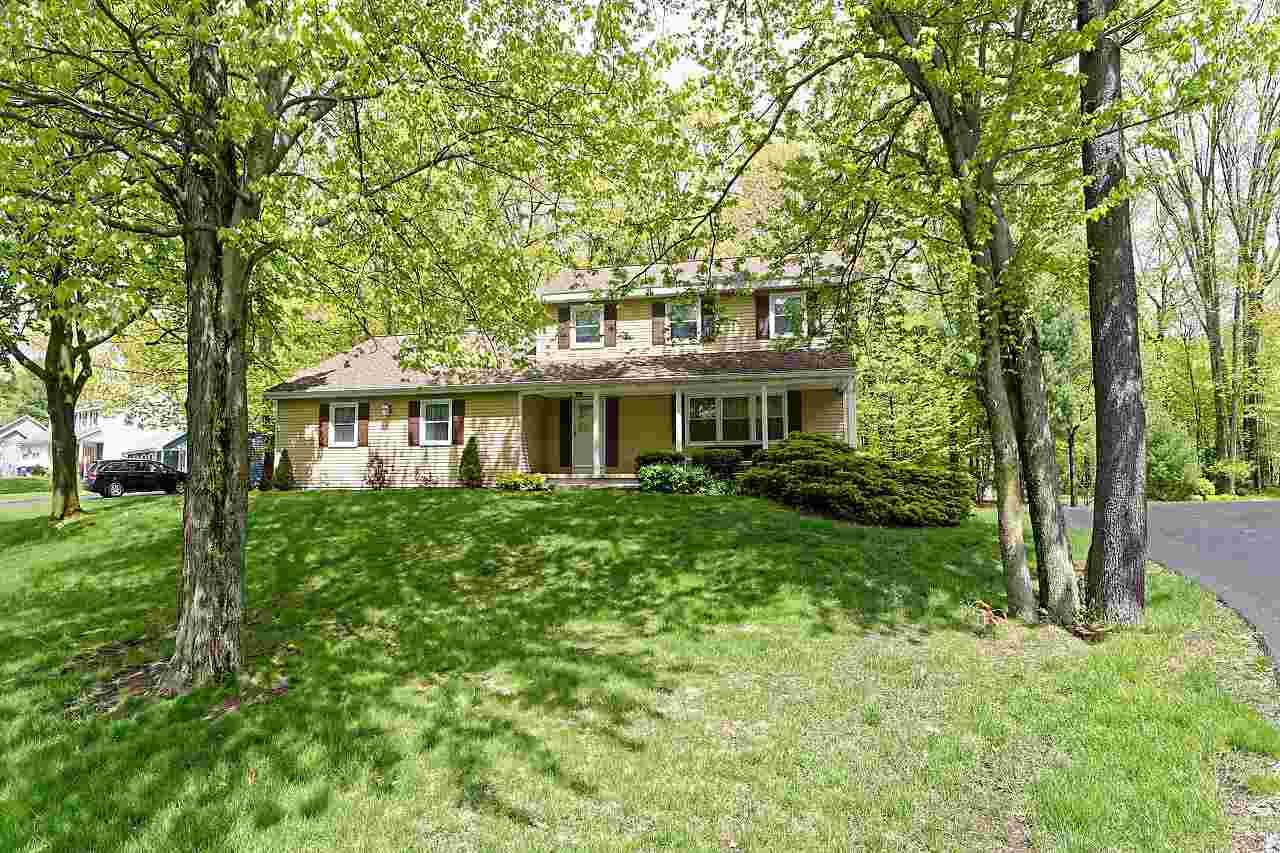 $289,900 - 3Br/2Ba -  for Sale in Clifton Park