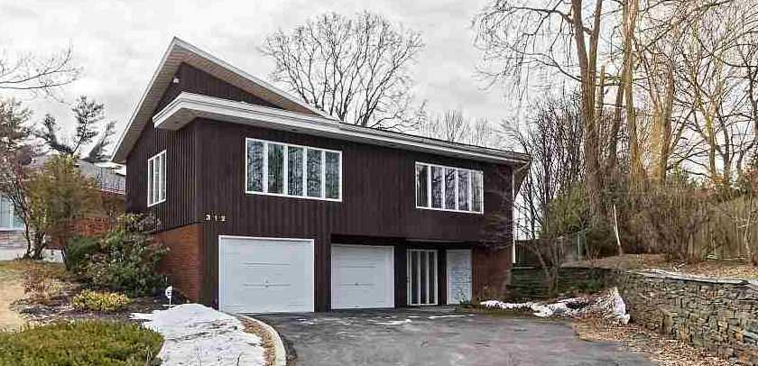 $260,000 - 4Br/3Ba -  for Sale in Albany