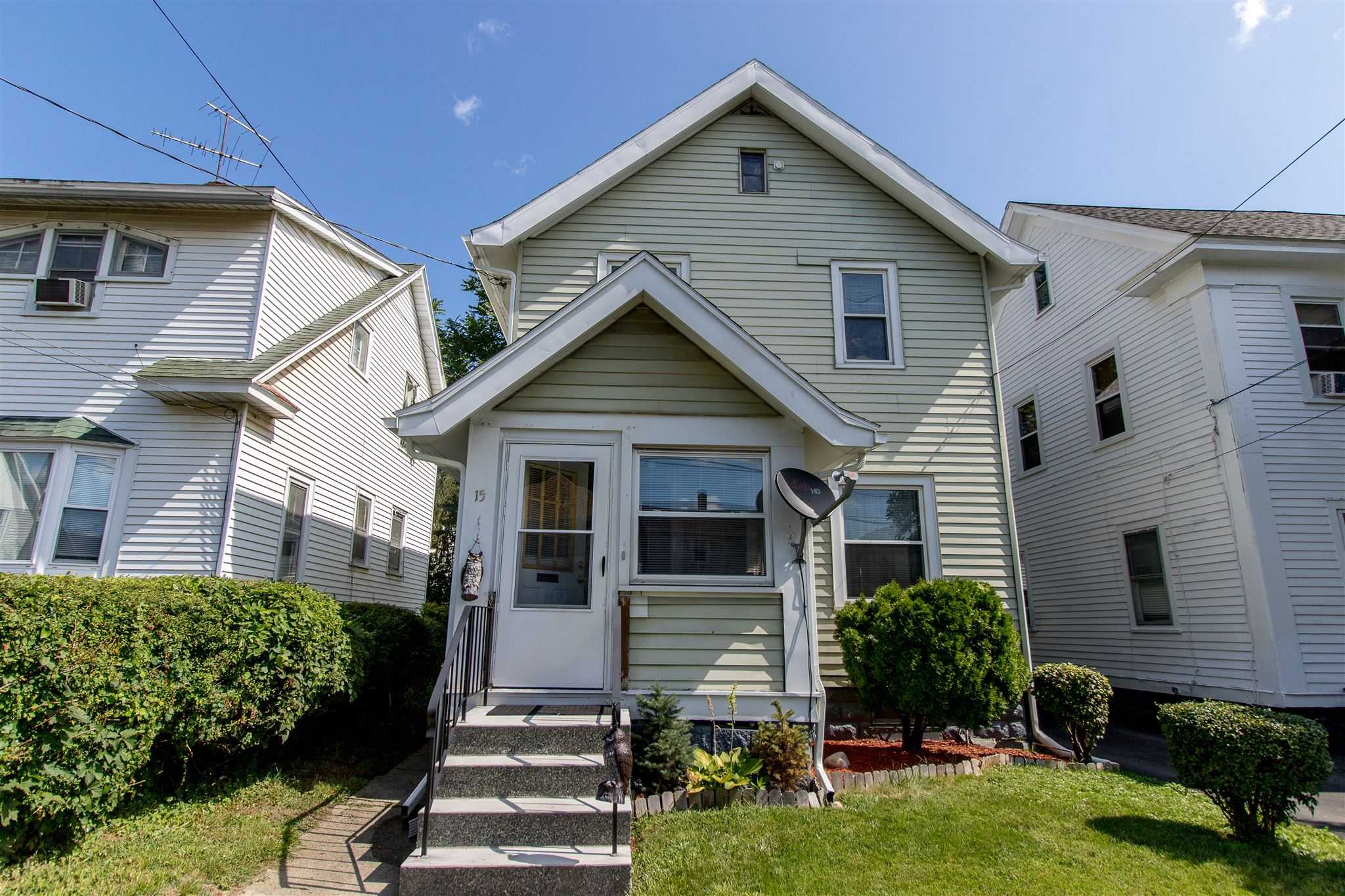 $140,000 - 3Br/1Ba -  for Sale in Albany