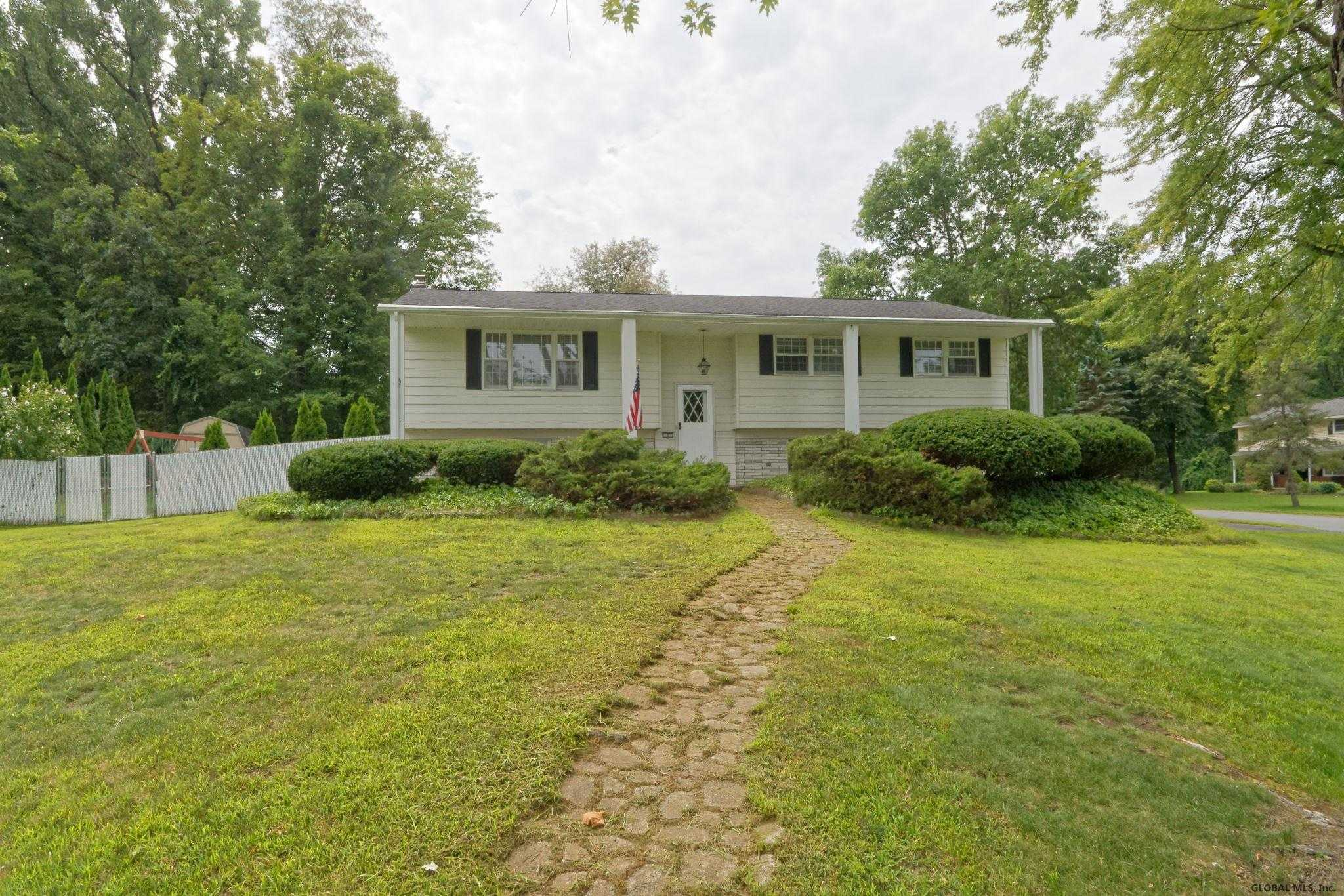 $284,900 - 4Br/3Ba -  for Sale in Clifton Park