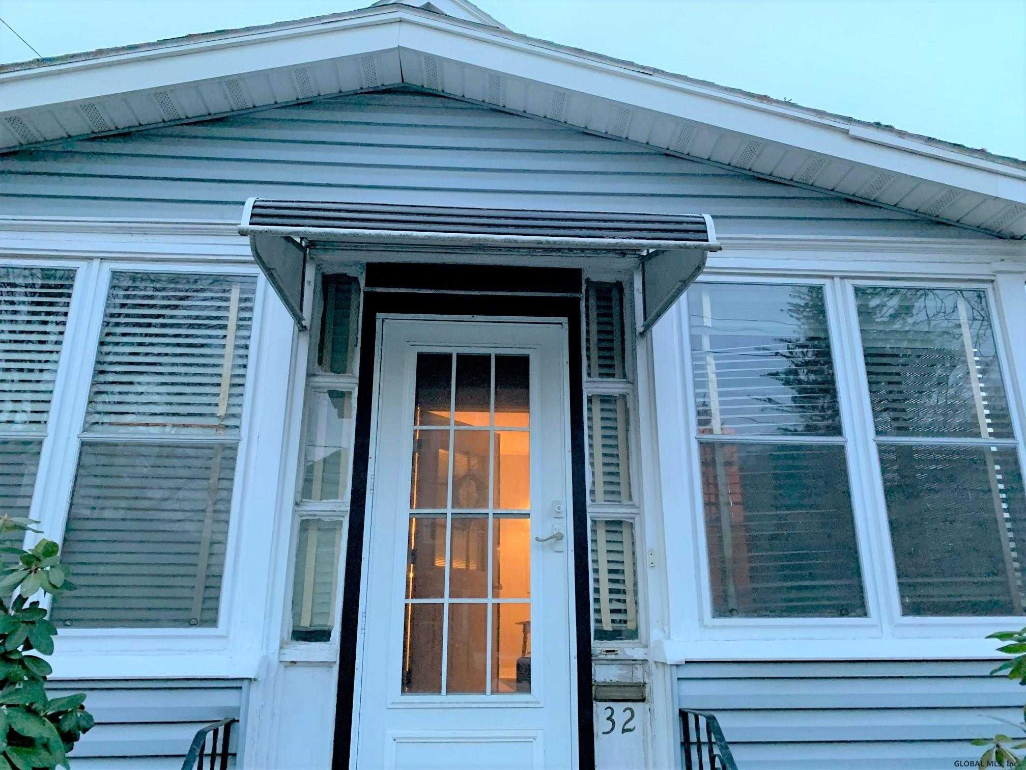 $139,900 - 3Br/2Ba -  for Sale in Albany