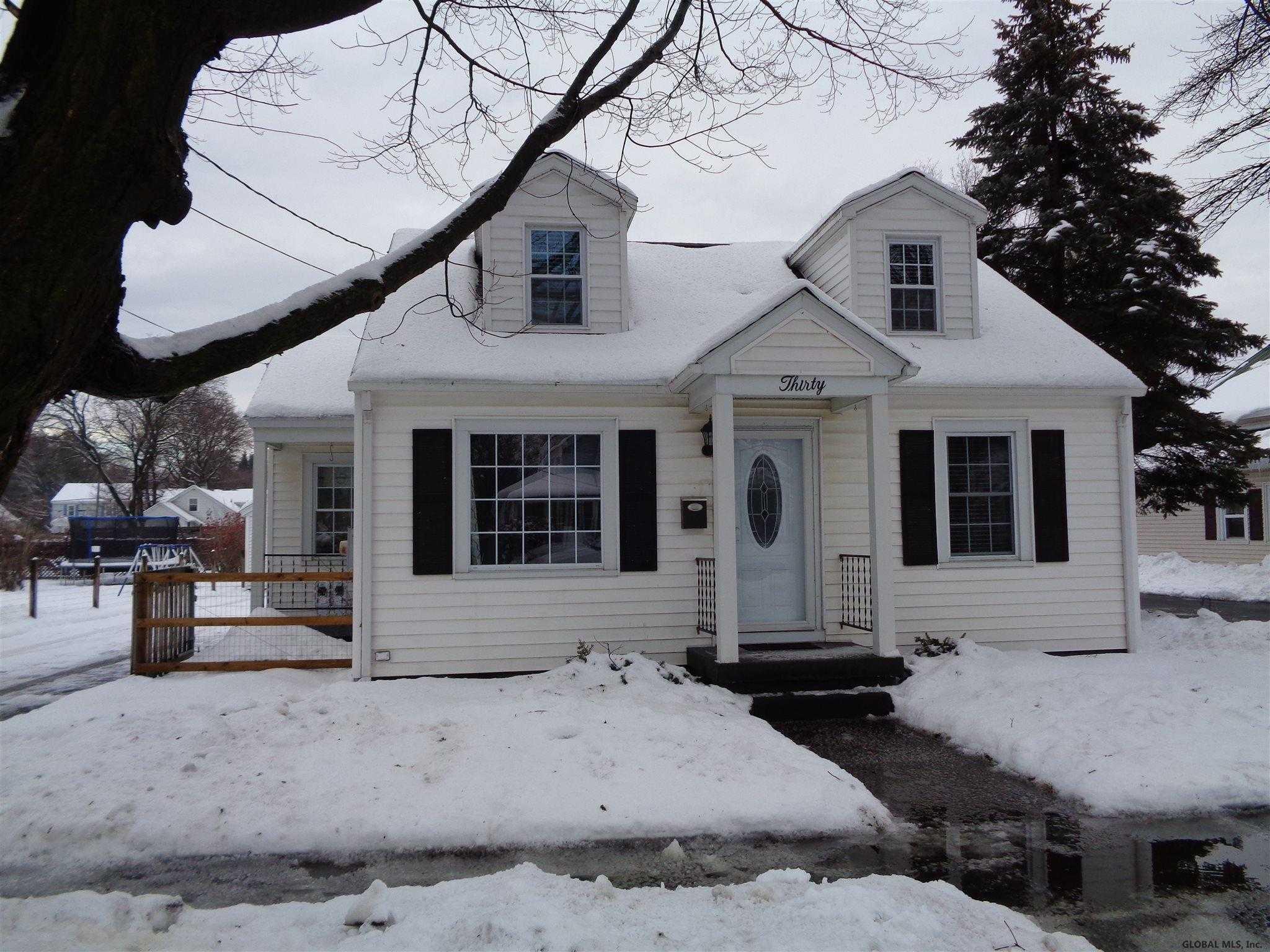 $159,000 - 3Br/1Ba -  for Sale in Hudson Falls