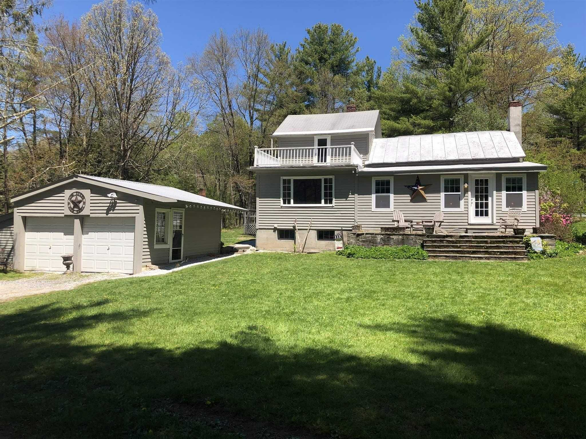 $200,000 - 4Br/2Ba -  for Sale in Stephentown