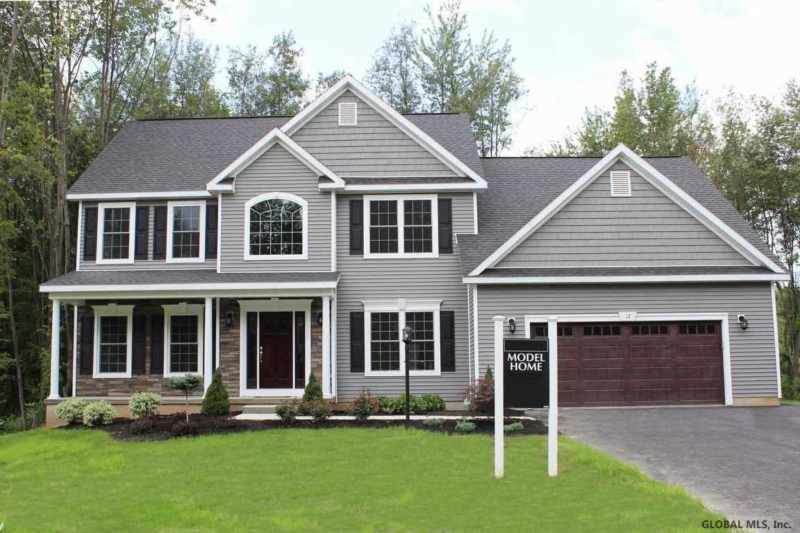 $499,900 - 4Br/3Ba -  for Sale in Colonie Tov