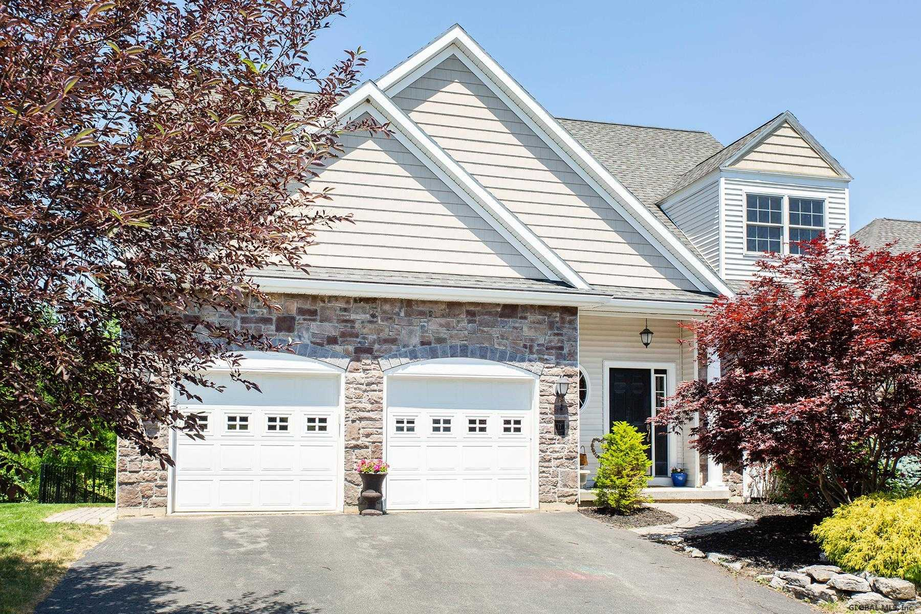 $450,000 - 4Br/5Ba -  for Sale in Colonie