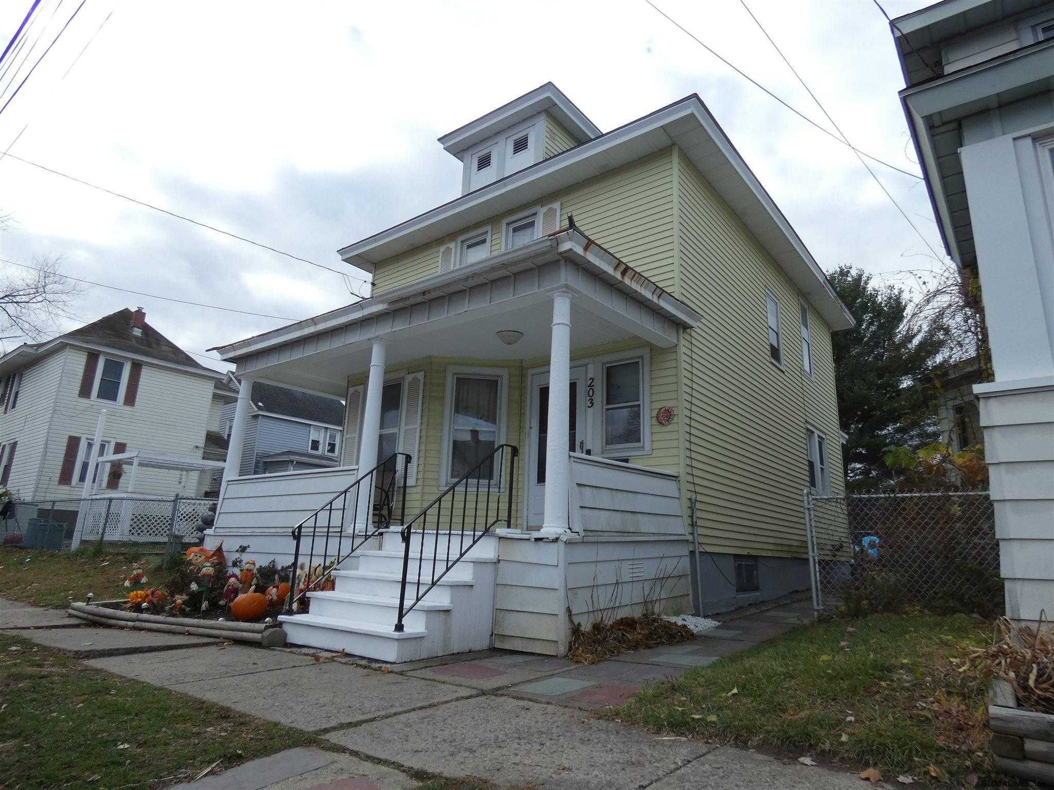 $149,900 - 3Br/1Ba -  for Sale in Watervliet
