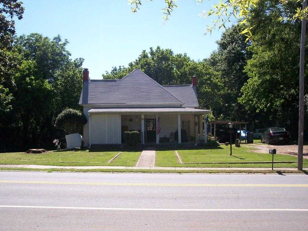 $699,000 - 3Br/1Ba -  for Sale in Kennesaw Historic, Kennesaw