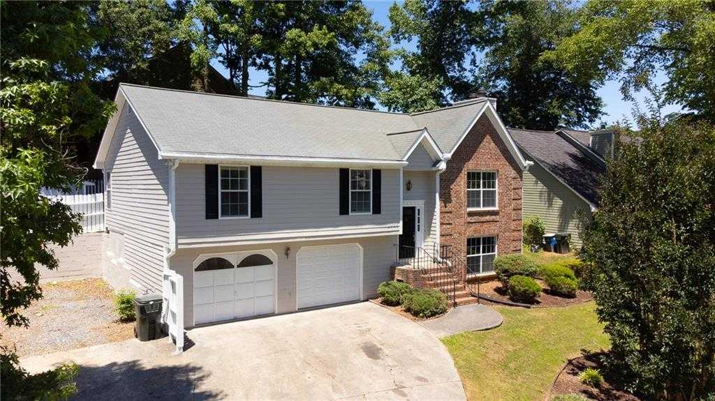 $300,000 - 4Br/3Ba -  for Sale in Winchester Forest, Kennesaw