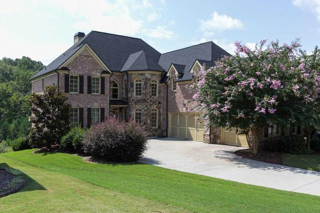 - 5Br/4Ba -  for Sale in Woodbury Place, Auburn