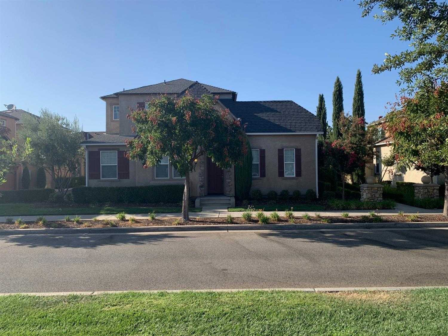 $275,000 - 2Br/3Ba -  for Sale in Clovis