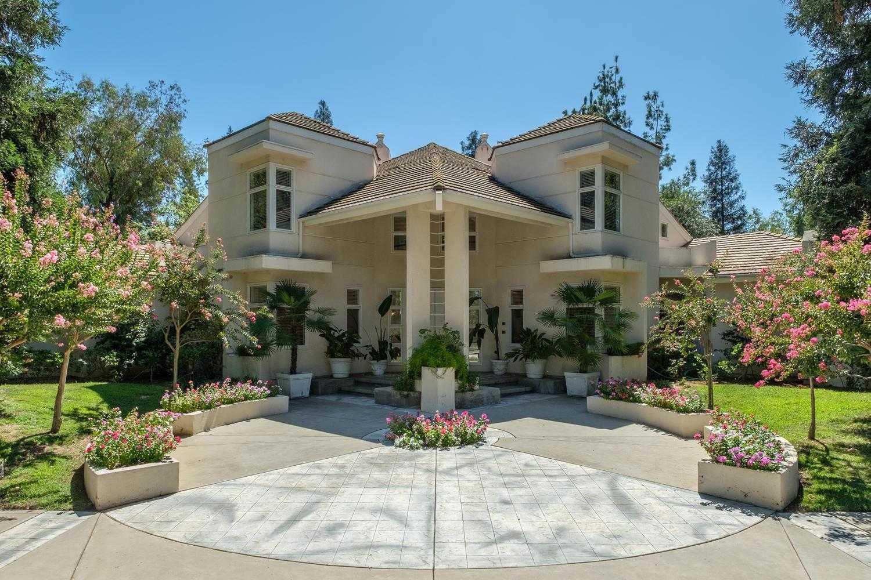$998,000 - 5Br/5Ba -  for Sale in Fresno