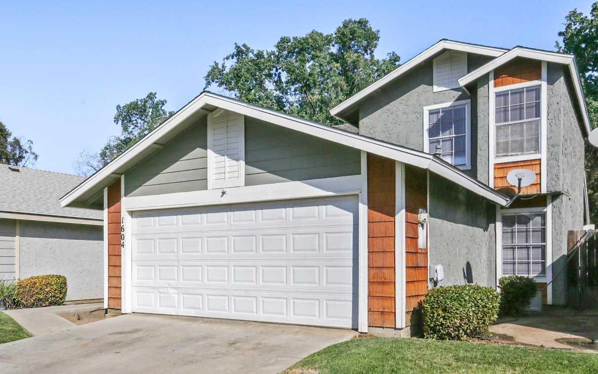 1604 E Sunnyview Ave Visalia, CA 93292
