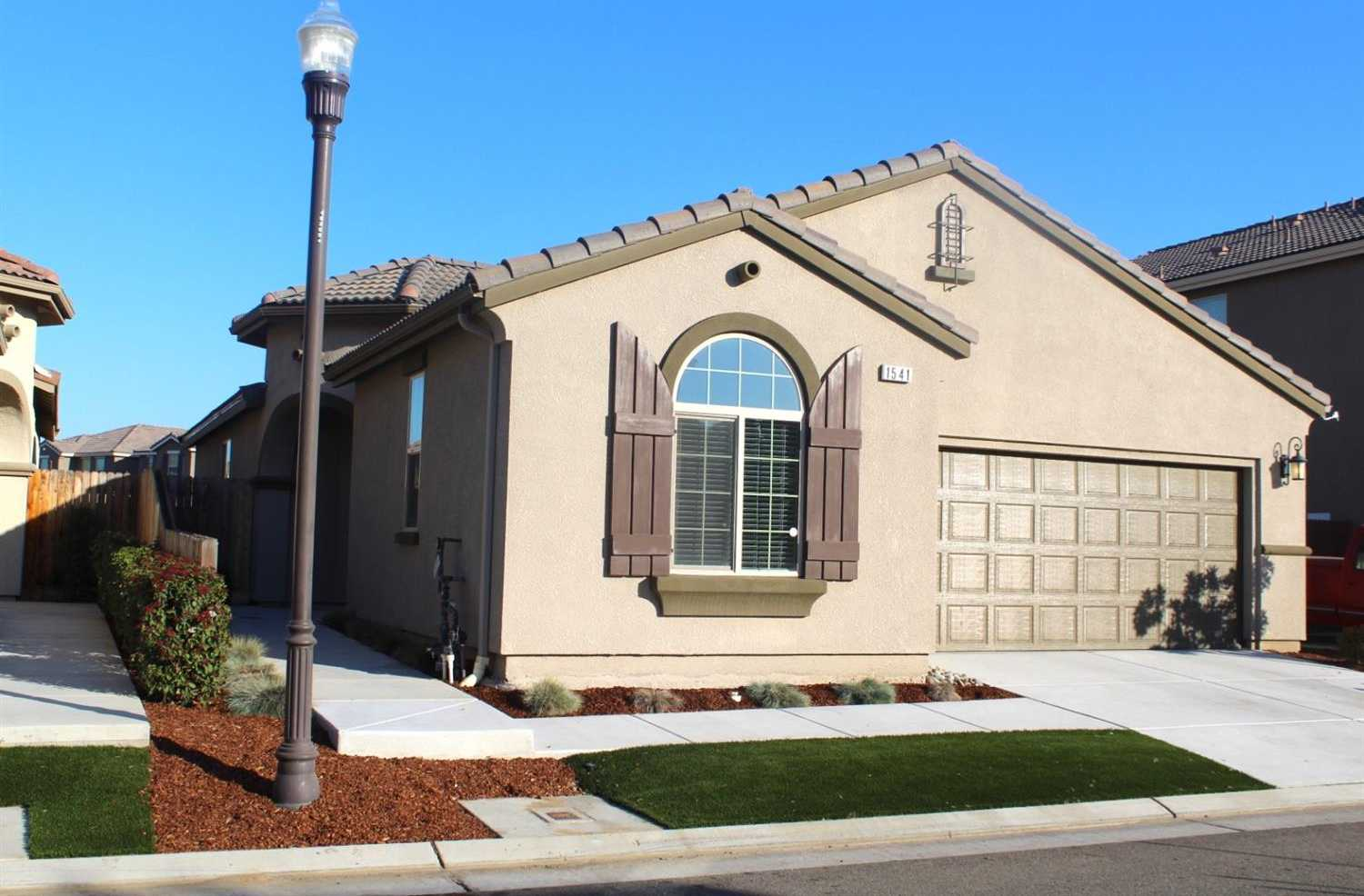 $329,950 - 3Br/2Ba -  for Sale in Clovis