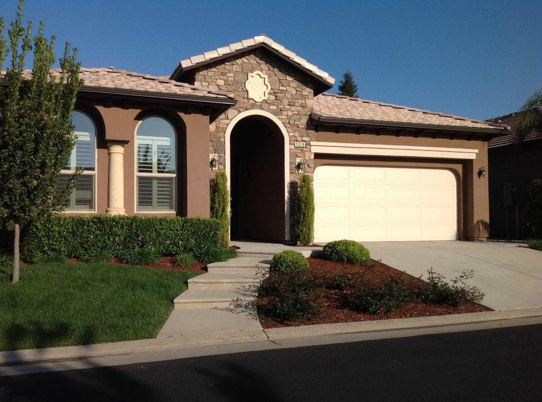 $599,500 - 3Br/3Ba -  for Sale in Fresno