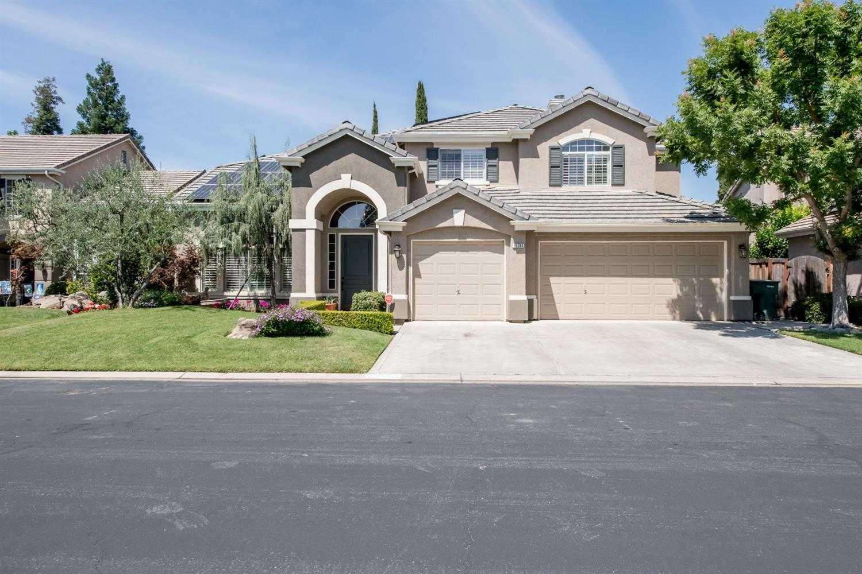 $694,900 - 4Br/3Ba -  for Sale in Fresno