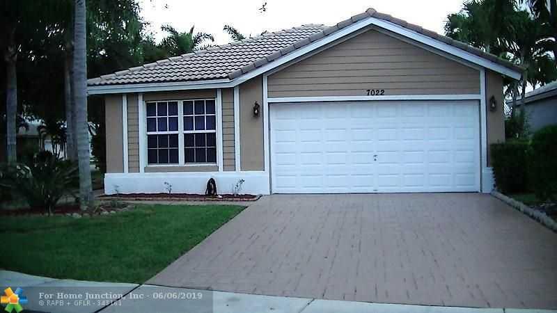 $409,900 - 3Br/2Ba -  for Sale in Parkside Estates 170-35 B, Parkland