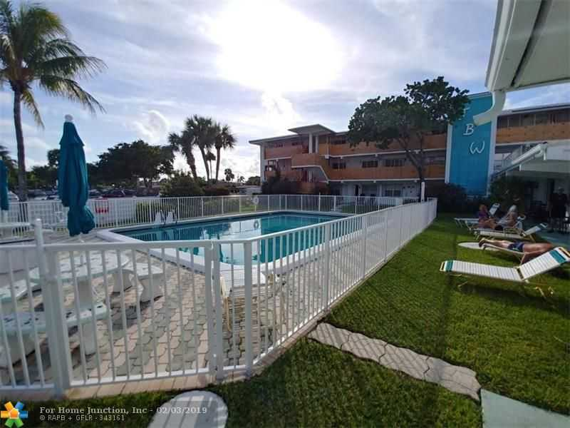 $280,000 - 3Br/2Ba -  for Sale in Lauderdale By The Sea