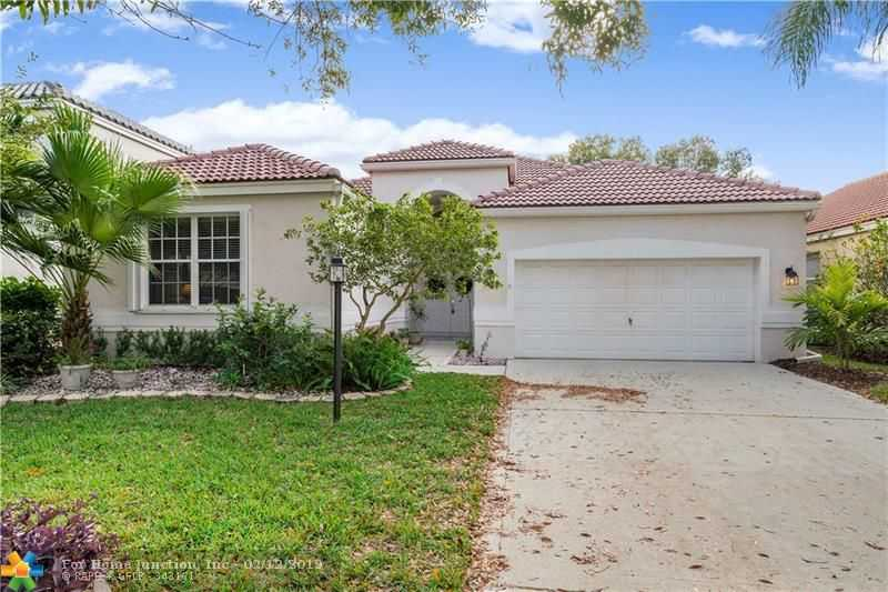 $435,000 - 3Br/2Ba -  for Sale in Mayfair, Parkland