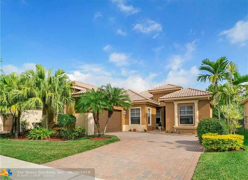$559,000 - 5Br/3Ba -  for Sale in The Greens/heron Bay, Parkland
