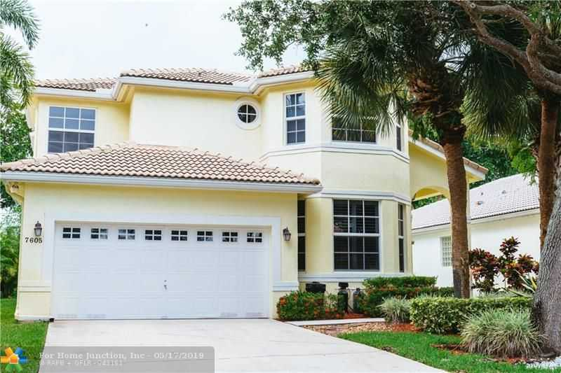 $450,000 - 4Br/3Ba -  for Sale in Cypress Cay 156-35 B, Parkland