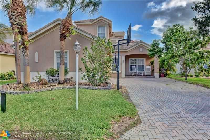 $499,900 - 4Br/3Ba -  for Sale in Parkland Isles, Parkland