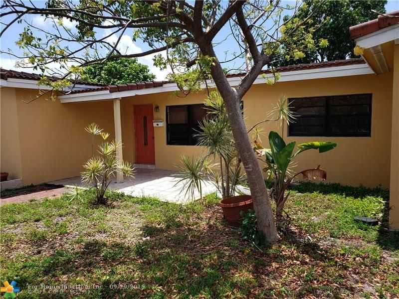 $295,000 - 3Br/2Ba -  for Sale in Lloyd Estates 25-47 B, Oakland Park