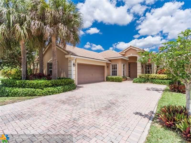 $479,000 - 4Br/2Ba -  for Sale in Parkland Isles 164-42 B, Parkland