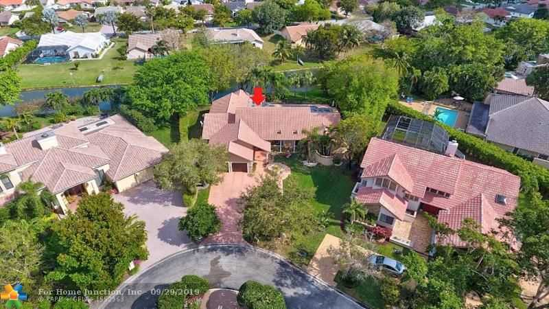 $729,000 - 5Br/5Ba -  for Sale in Maplewood Isle, Coral Springs