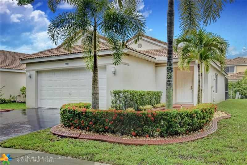 $399,900 - 3Br/2Ba -  for Sale in Sector 8, 9 & 10, Weston