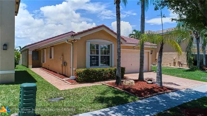 $399,000 - 4Br/2Ba -  for Sale in Silver Lakes Phase Iii Re, Miramar