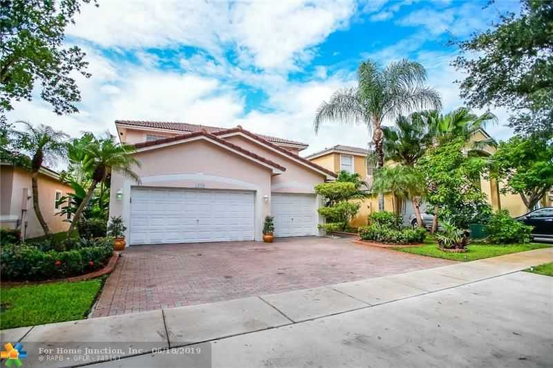 $475,000 - 4Br/3Ba -  for Sale in Pod 12 At Monarch Lakes 1, Miramar
