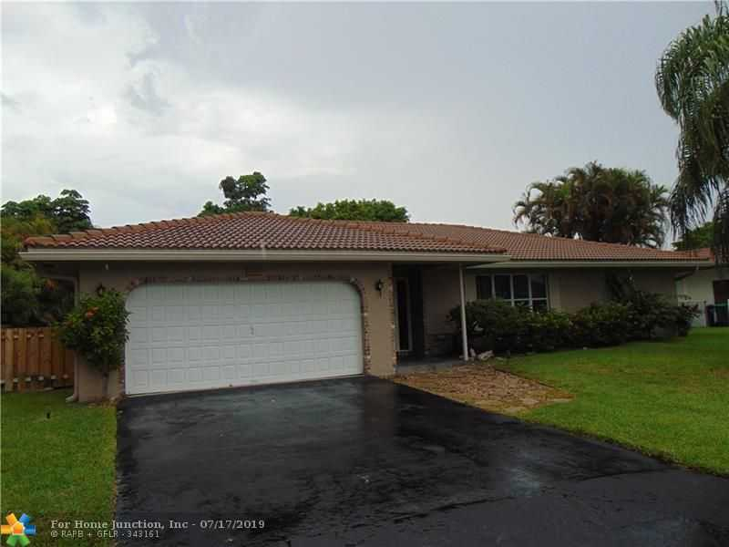 $379,900 - 4Br/2Ba -  for Sale in Castlewood 71-37 B, Coral Springs