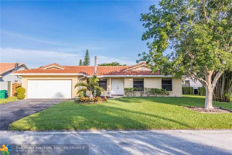 $469,999 - 4Br/2Ba -  for Sale in Cypress Glen, Coral Springs