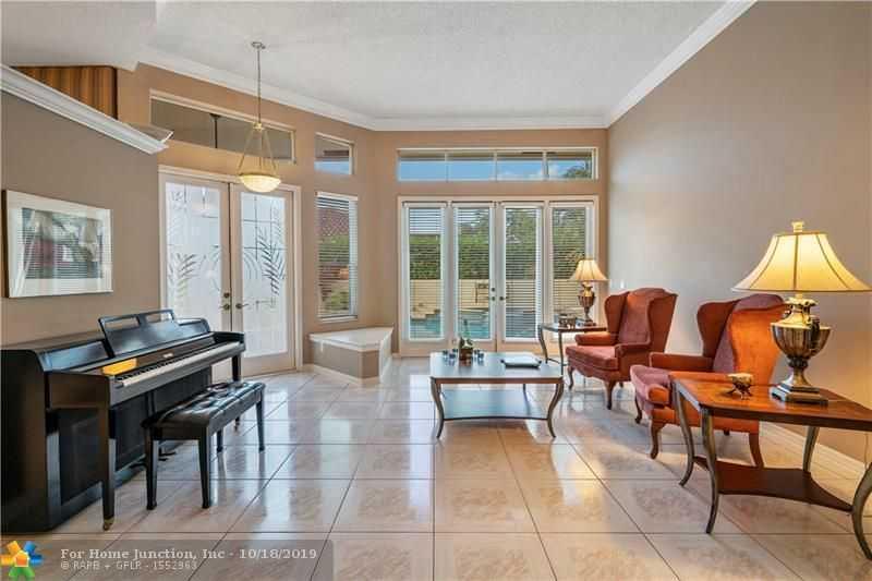 $579,000 - 4Br/3Ba -  for Sale in The Landings Of Parkland, Parkland
