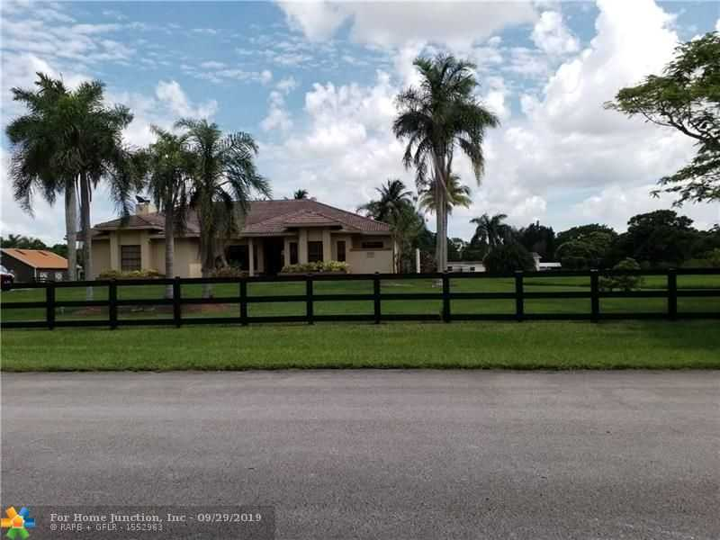 $889,000 - 4Br/3Ba -  for Sale in Southwest Ranches, Southwest Ranches