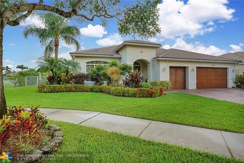 $799,000 - 5Br/3Ba -  for Sale in Hibbs Grove Plantation 17, Cooper City