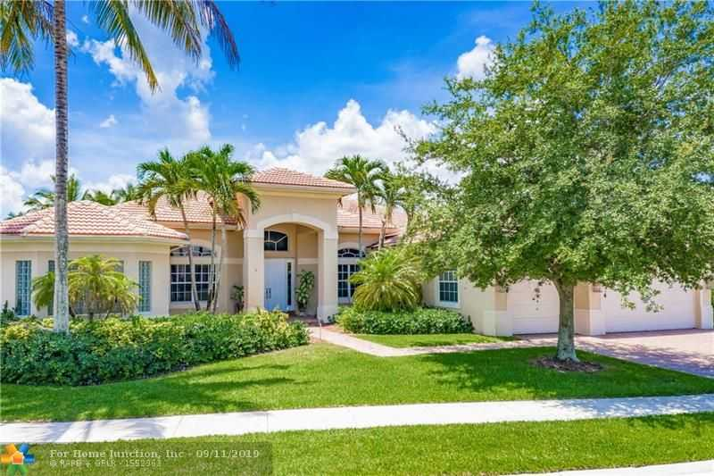 $899,000 - 6Br/4Ba -  for Sale in Riverstone 172-111 B, Davie