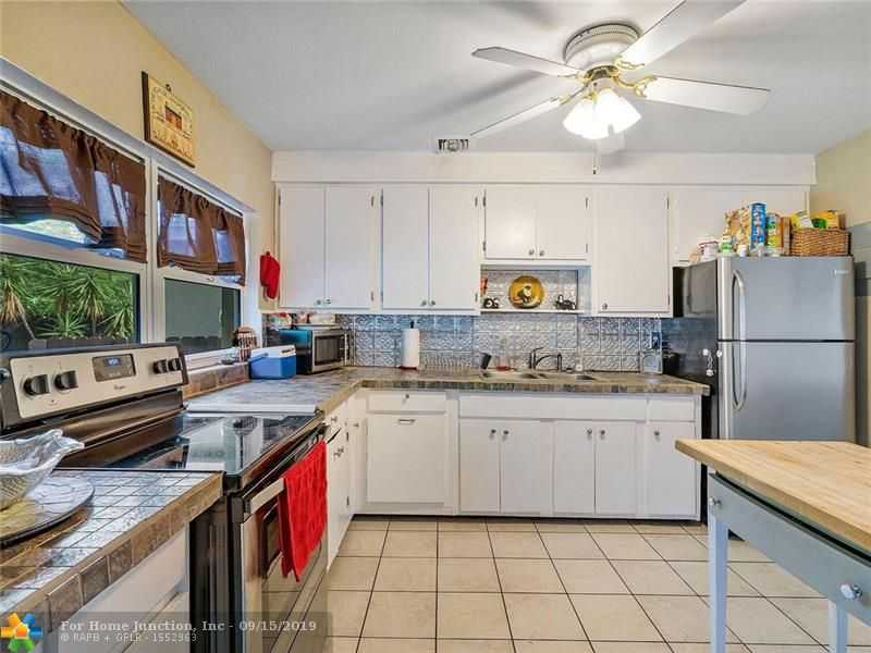 $279,000 - 3Br/3Ba -  for Sale in North Andrews Terrace, Oakland Park