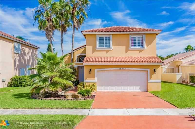 $449,000 - 5Br/3Ba -  for Sale in Estancia, Pembroke Pines