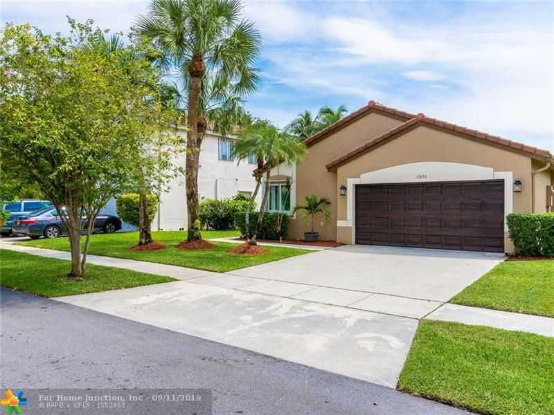 $439,000 - 4Br/2Ba -  for Sale in Silver Lakes At Pembroke, Pembroke Pines
